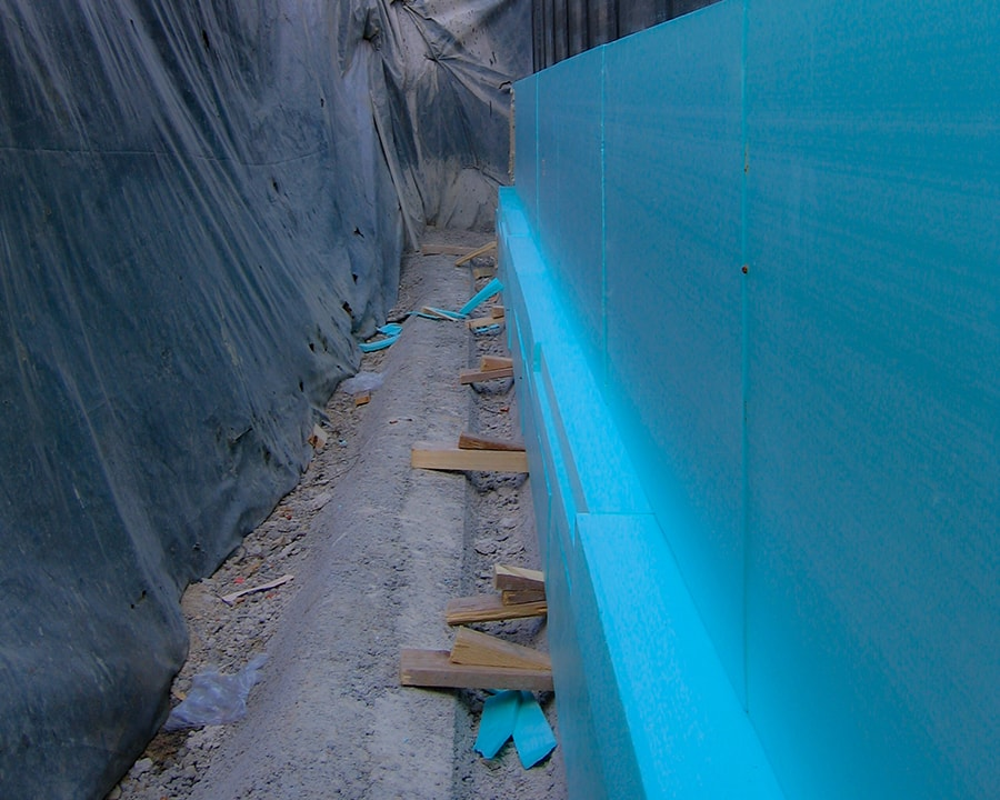 Strip foundation and isolated footing